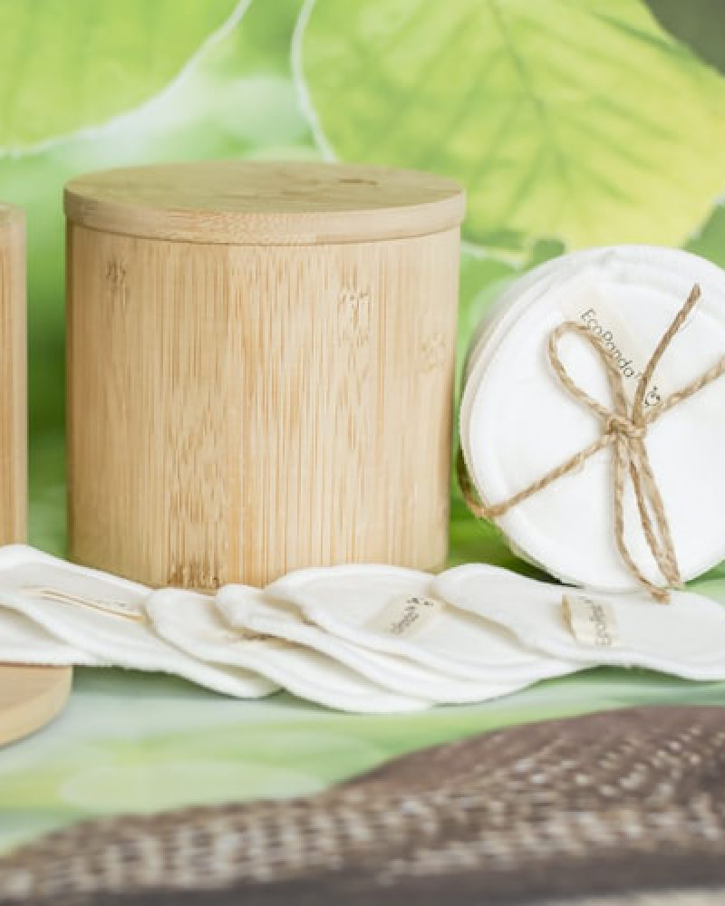 Holzbox mit waschbaren Stilleinlagen